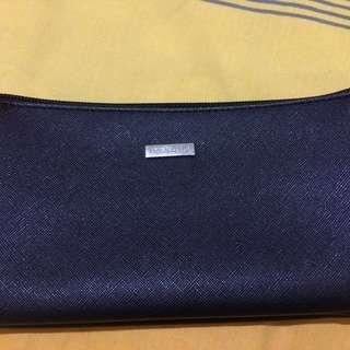 dompet hitam(beli di elizabeth)
