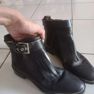 Black boots ZARA woman