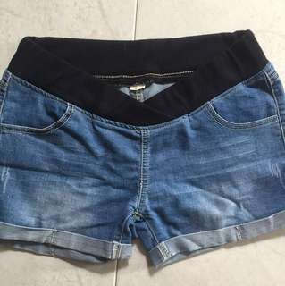 Maternity low waist shorts size XL