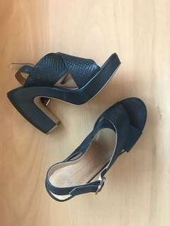 MOLLINI black chunky heels