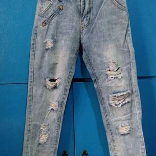 Ripped jeans size 26
