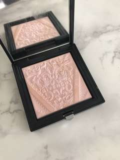 Givenchy - soft radiance powder