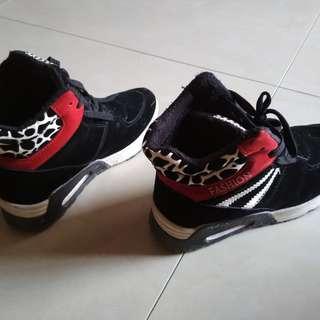 Kids Shoes / Kasut Budak