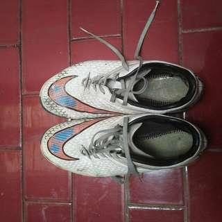 Sepatu Futsal Nike Hypervenom Size 42