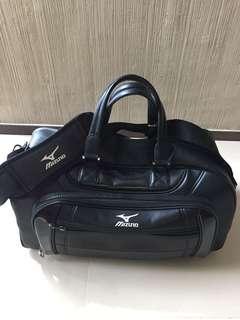Mizuno Boston Bag perfect for sports enthusiasts