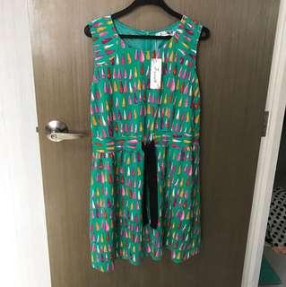 BNIP GREEN PATTERNED DRESS