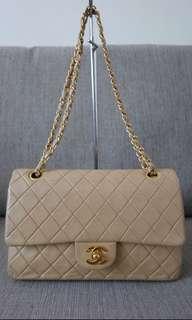 Preloved Chanel lambskin in beige!