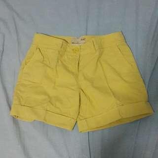 AIIZ size 27 celana pendek kuning