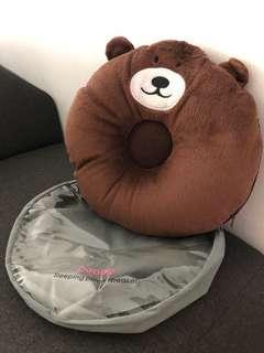 Sleeping pillow with speaker