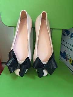Beautiful jelly flat shoe