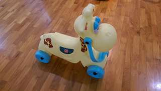 Wheel Giraffe toddler toy