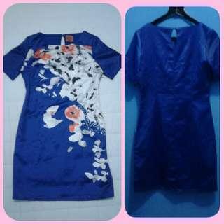 Dress Satin Navi Bunga2 -kode DR039