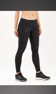 2XU Compression Tight