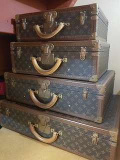 LV set of vintage luggage