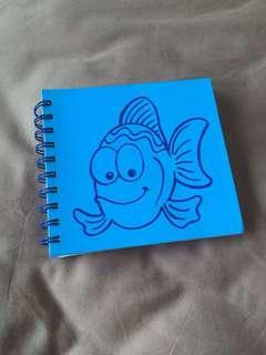 Buku tulis ikan polos