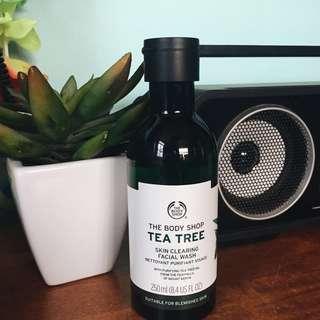 The Body Shop: Tea Tree Skin Clearing Facial Wash