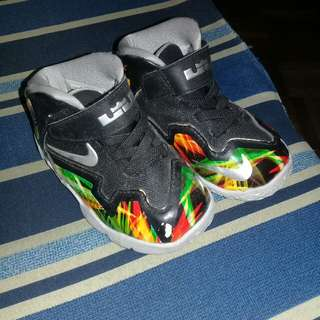 AUTHENTIC Nike Shoes (Kids)
