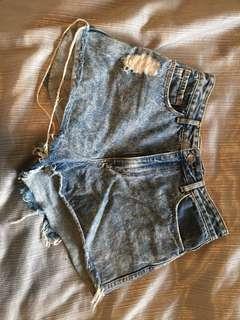 Lee distressed denim shorts size 9