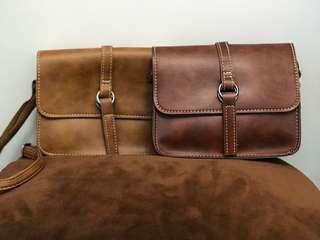 復古英倫風棕色小斜孭袋 (可選深棕色或淺棕色)