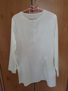 [RM 18 includes postage] White blouse