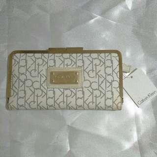 CALVIN KLEIN clutch/wallet Authentic ---> PLS READ DESCRIPTION