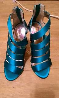 🚚 Kg 藍色亮面露趾繞踝高跟鞋