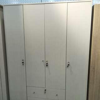 Lemari wardrobe 4 Doors bisa kredit kilat
