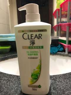 Clear anti dandruff shampoo