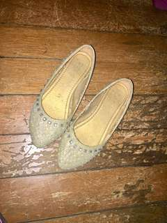 Glittery flats ( gold) for only 150!