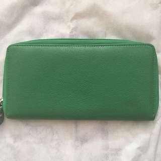 Green zipper wallet
