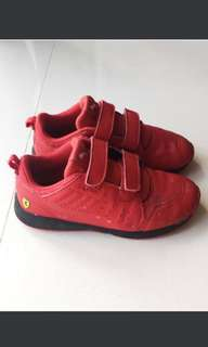 Kid Puma Ferrari shoe