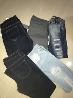 Get 4 pants for 900!