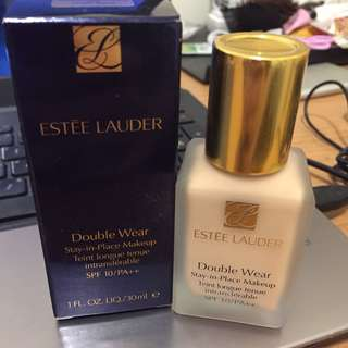 🚚 Estée Lauder double wear