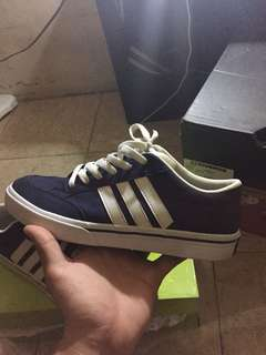 Adidas Neo size 42