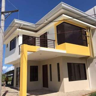 Elegant 3 Bedroom House in Consolacion