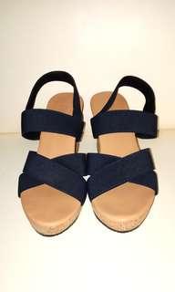 Sepatu Wedges Fladeo