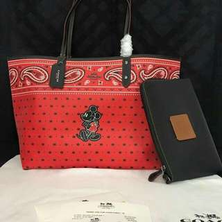 COACH HIGH QUALITY ONLY  with dustbag.paperbag.card