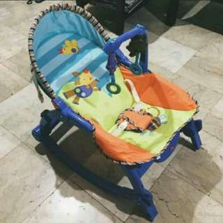 Portable rocking chair for newborn to toddler