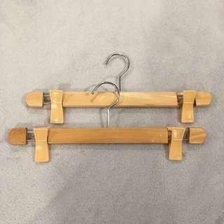 Wooden clip hangers (set of 5)