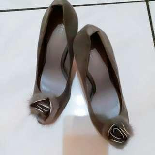 🚚 灰色高根鞋37號適合偏小腳穿$250