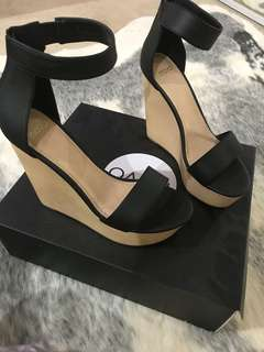 Novo Wedges 'NEW'