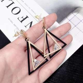🚚 韓版防過敏大氣時尚百搭幾何三角水晶耳釘女氣質長款耳環