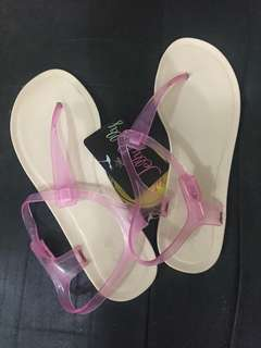NWT Nelly Jelly Sandals