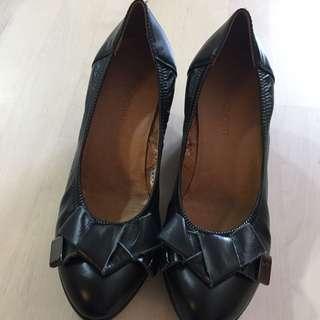 PLO-cart 女裝黑色真皮船跟鞋
