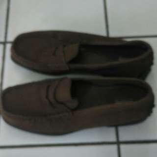 Sepatu modis Bata