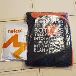 Comfort pack blanket eyeshade socks toothbrush toothpaste earplugs inflatable neck rest Jetstar