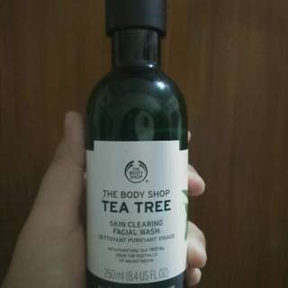 [PRELOVED] The Body Shop Tea Tree Skin Clearing Facial Wash