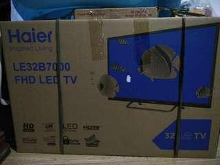 """Haier 32"""" HD LED TV black LE32B7000"""