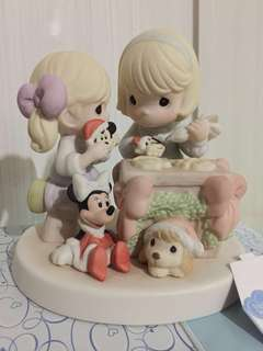 Walt Disney Showcase Collection Precious Moments Mother & Daughter Figurine : Nothing's Sweeter thank Time Together