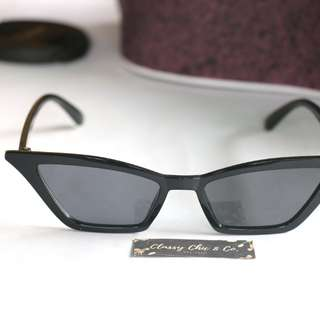 Sam Trendy Sunnies in Black